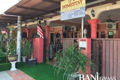 Pemasangan Rumput Tiruan (Artificial Grass) di D'5 Homestay Merlimau Melaka
