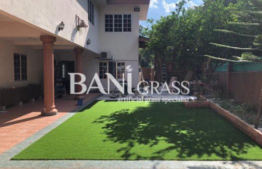 Pemasangan rumput tiruan (artificial grass) di Bandar Baru Selayang