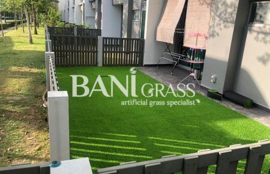 Pemasangan rumput tiruan (artificial grass) di Setia Eco Glades