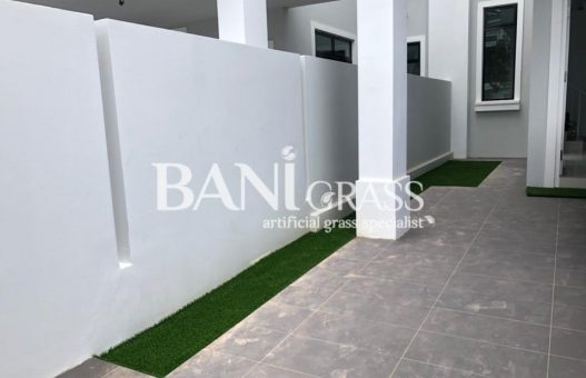 Pemasangan rumput tiruan (artificial grass) di Eco Tropika, Pasir Gudang Johor